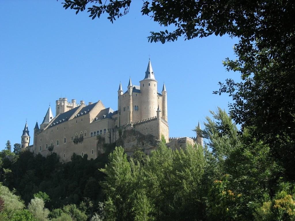 castle-370381_1280